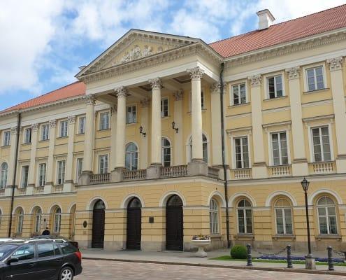 zdjęcie budynku pałac kazimierzowski w warszawie opinia ornitologiczna