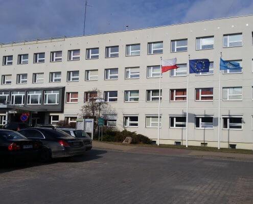 zdjęcie budynku starostwa powiatowego w Iławie podczas inwentaryzacja przyrodnicza elewacja frontowa